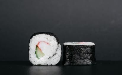 Futomaki with crab