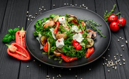 Salad with baked vegetables and feta