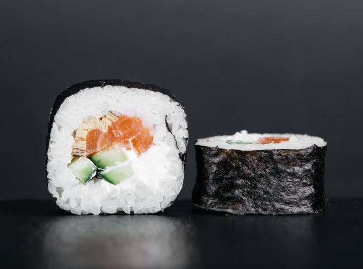 Futomaki with salmon
