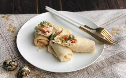 Crepes with mozzarella and tomatoes